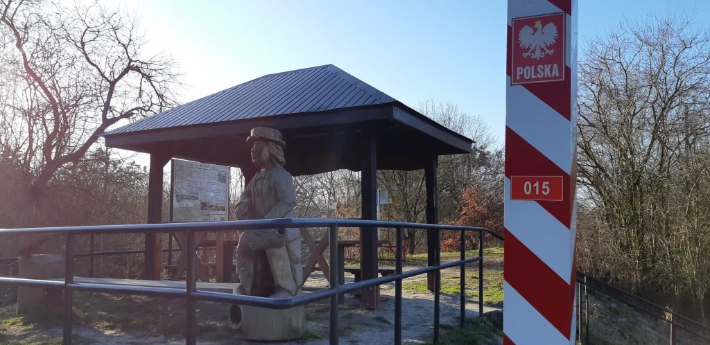 Słupek graniczny 015 przy włodawskim wodowskazie