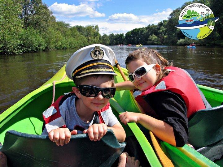 Spływ rodzinny po Bugu. Rodzinna przygoda nad rzeką. rodzinny spływ kajakowy