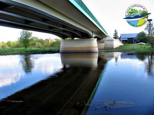Krzna Pod mostem w Neplach.  Neple - widok na Krznę.
