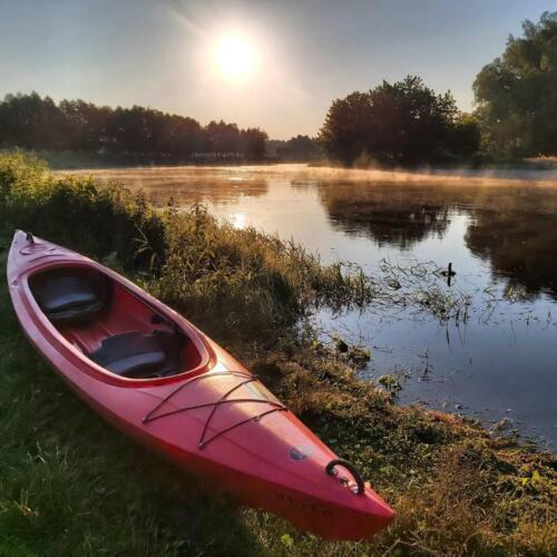 piękny wschód kajaki, poranny spływ Bugiem, kajak wyprawowy, sławatycze, poranny spływ Bugiem, przygoda w kajaku, aktywny wypoczynek, vista kajakowa przygoda, vista kayak, vista