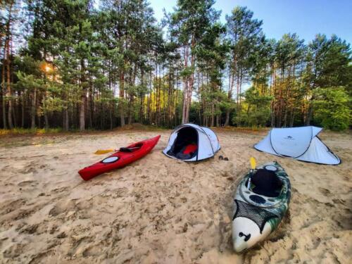 wypoczynek nad Bugiem, nocleg nad Bugiem, spanie w namiocie, namioty nad Bugiem, warunki polowe